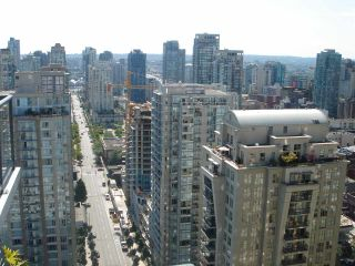 """Photo 4: 2707 928 RICHARDS Street in Vancouver: Yaletown Condo for sale in """"THE SAVOY"""" (Vancouver West)  : MLS®# R2199716"""