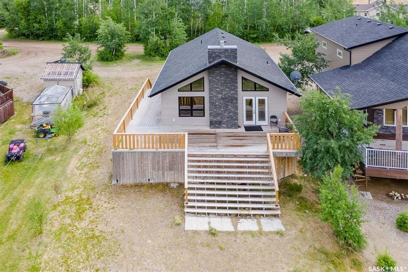 FEATURED LISTING: 215 Aspen Point Chante Lake