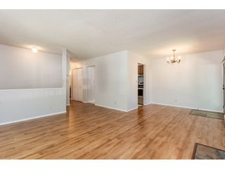 """Photo 5: 1914 10620 150 Street in Surrey: Guildford Townhouse for sale in """"Lincoln's Gate"""" (North Surrey)  : MLS®# R2379653"""