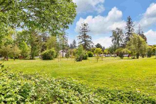 "Photo 8: 406 15340 19A Avenue in Surrey: King George Corridor Condo for sale in ""Stratford Gardens"" (South Surrey White Rock)  : MLS®# R2579128"