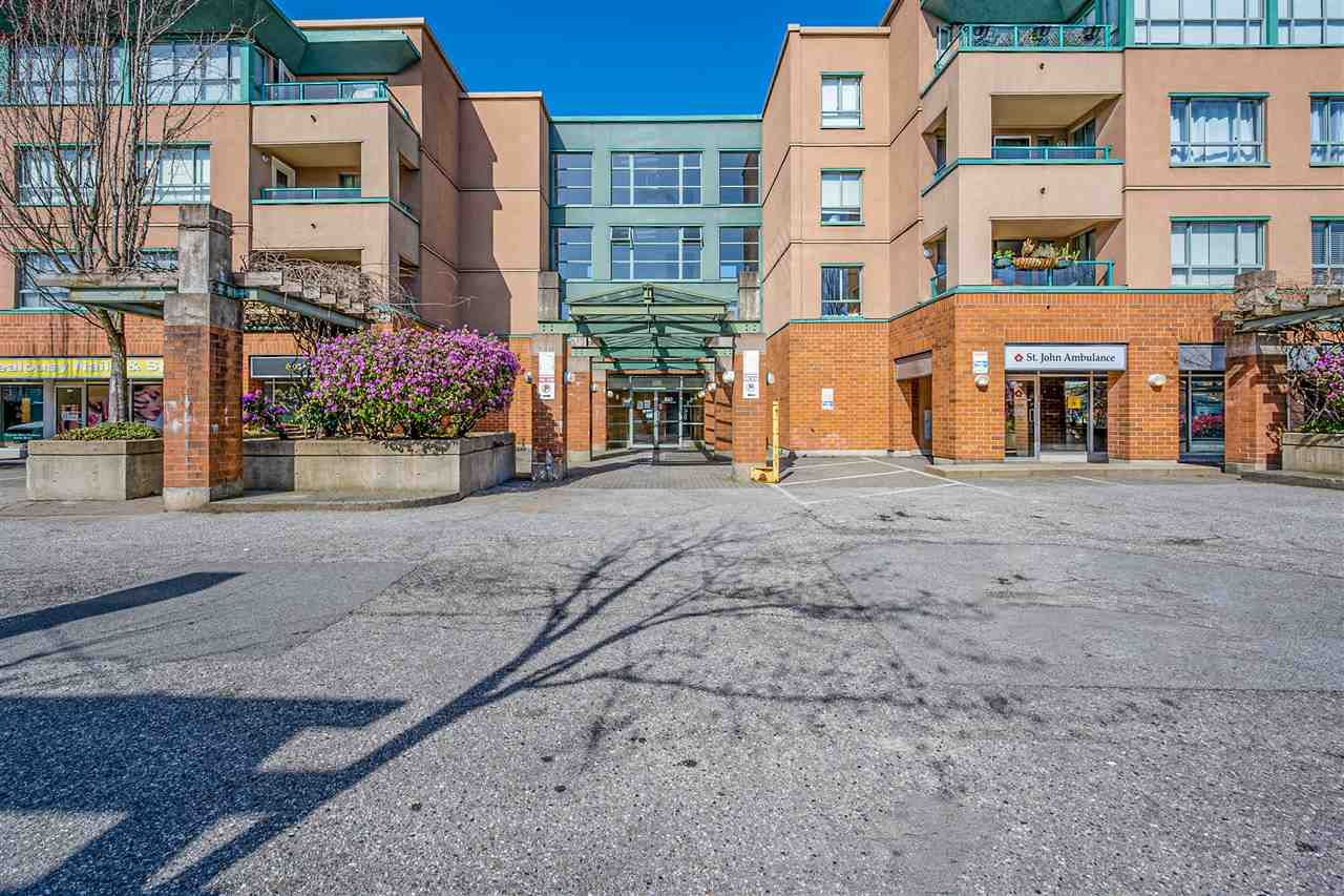 """Main Photo: 309 223 MOUNTAIN Highway in North Vancouver: Lynnmour Condo for sale in """"Mountain View Village"""" : MLS®# R2562252"""