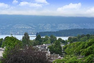 "Photo 18: 302 2035 W 4TH Avenue in Vancouver: Kitsilano Condo for sale in ""The Vermeer"" (Vancouver West)  : MLS®# R2385930"