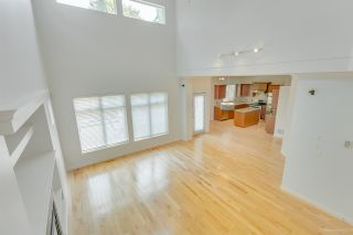 Photo 5: 3316 148A Street in Surrey: King George Corridor House for sale (South Surrey White Rock)  : MLS®# R2389419