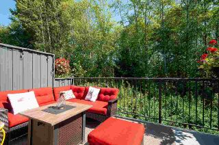 """Photo 1: 12 18681 68 Avenue in Surrey: Clayton Townhouse for sale in """"Creekside"""" (Cloverdale)  : MLS®# R2391665"""