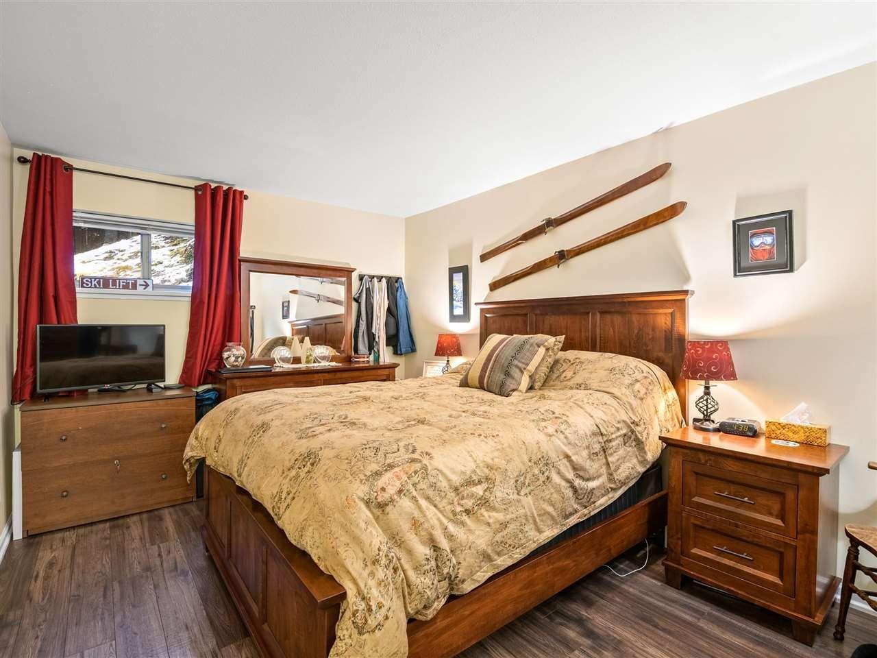 Photo 10: Photos: 101 3050 HILLCREST DRIVE in Whistler: Alta Vista Condo for sale : MLS®# R2513394