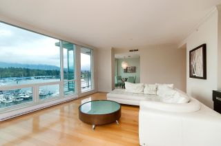 """Photo 9: 607 323 JERVIS Street in Vancouver: Coal Harbour Condo for sale in """"ESCALA"""" (Vancouver West)  : MLS®# R2593868"""