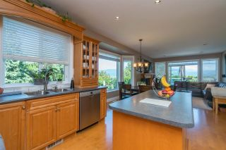 """Photo 10: 35917 STONECROFT Place in Abbotsford: Abbotsford East House for sale in """"Mountain meadows"""" : MLS®# R2193012"""
