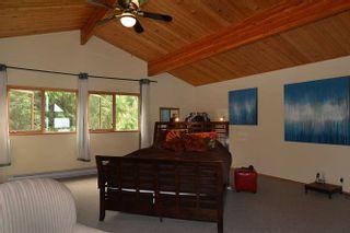 Photo 9: 5873 SKOOKUMCHUK Road in Sechelt: Sechelt District House for sale (Sunshine Coast)  : MLS®# R2202466
