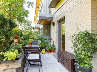 """Photo 4: 3790 COMMERCIAL Street in Vancouver: Victoria VE Townhouse for sale in """"BRIX"""" (Vancouver East)  : MLS®# R2487302"""