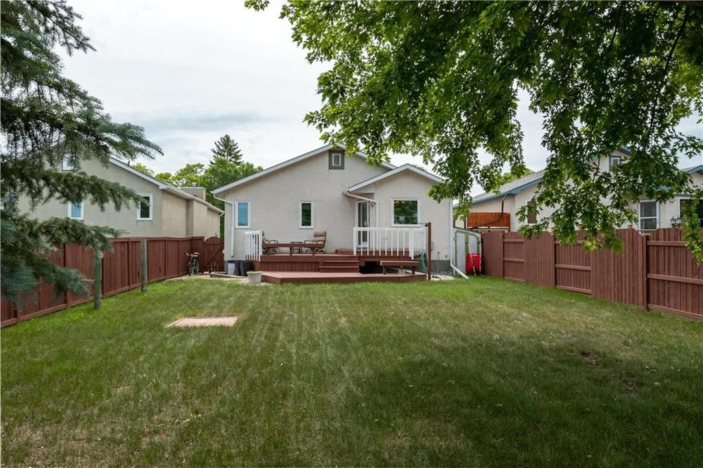 Photo 29: Photos: 1115 Waterford Avenue in Winnipeg: West Fort Garry Residential for sale (1Jw)  : MLS®# 202116113