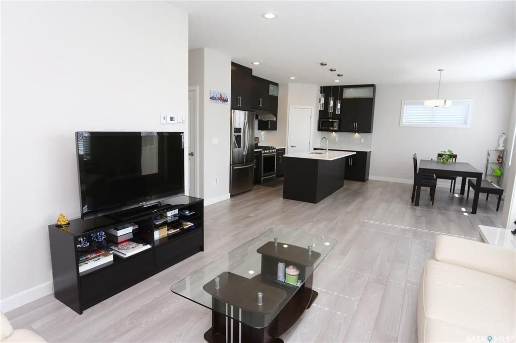 Photo 18: Photos: 230 Warder Cove in Saskatoon: Stonebridge Residential for sale : MLS®# SK843187