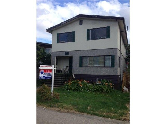 """Main Photo: 1804 E 12TH Avenue in Vancouver: Grandview VE House for sale in """"COMMERCIAL DRIVE"""" (Vancouver East)  : MLS®# V1074045"""