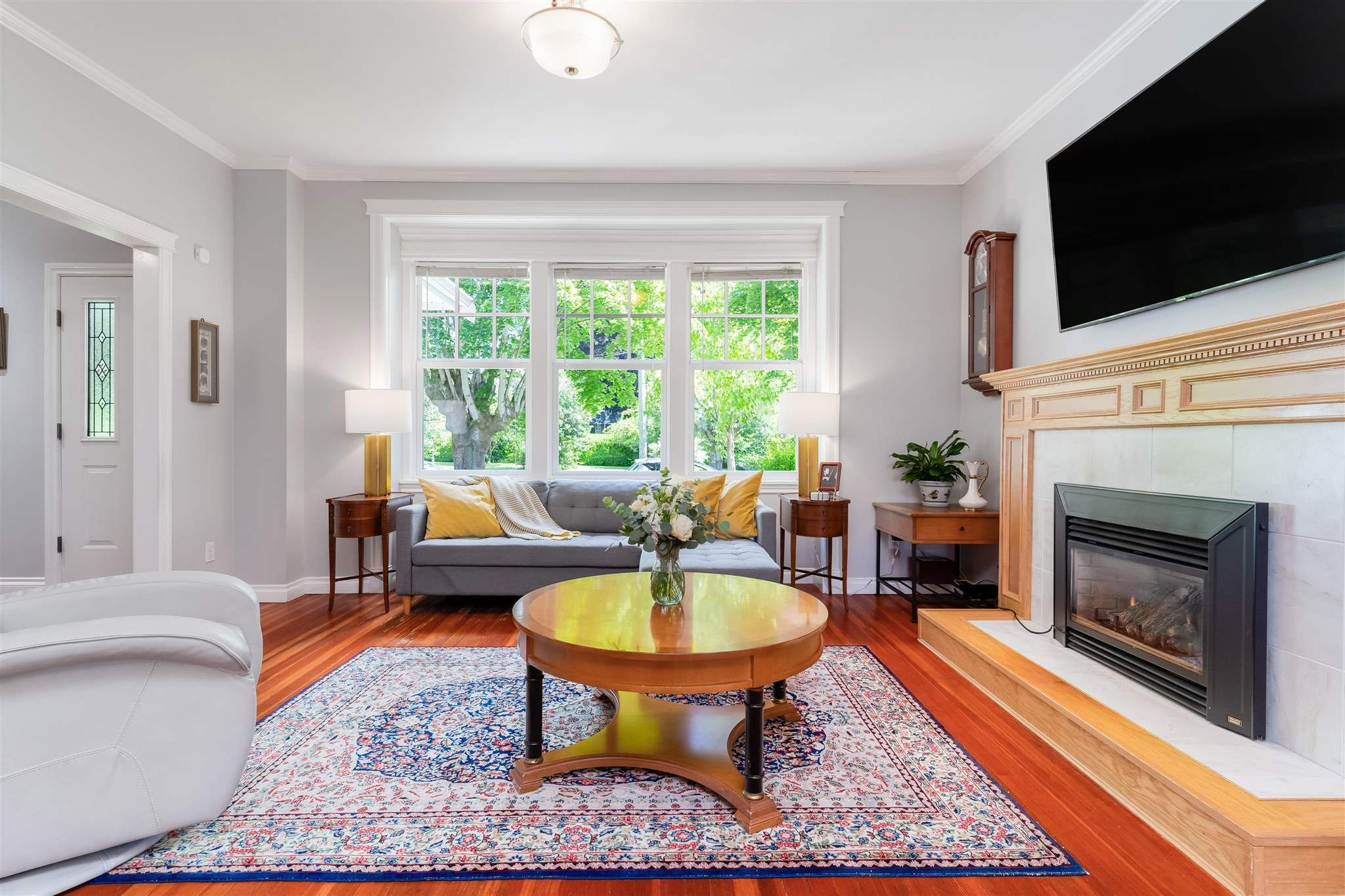 Photo 3: Photos: 412 FIFTH STREET in New Westminster: Queens Park House for sale : MLS®# R2594885