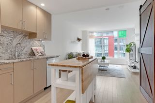 """Photo 2: 804 1708 ONTARIO Street in Vancouver: Mount Pleasant VE Condo for sale in """"Pinnacle on the Park"""" (Vancouver East)  : MLS®# R2545079"""
