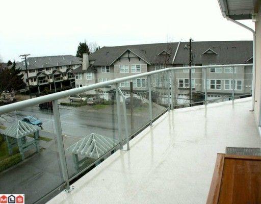 "Photo 9: Photos: 302 5419 201A Street in Langley: Langley City Condo for sale in ""Vista Gardens"" : MLS®# F2928069"