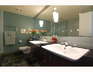 Photo 8: 2003 1233 W CORDOVA Street in Vancouver: Coal Harbour Condo for sale (Vancouver West)  : MLS®# V727596