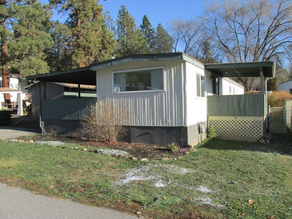 Main Photo: #84-1860 Boucherie Road in West Kelowna: Westbank Centre Manufactured Home for sale : MLS®# 10108932