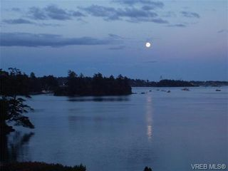 Photo 2: 207 485 Island Hwy in VICTORIA: VR Six Mile Condo for sale (View Royal)  : MLS®# 702261