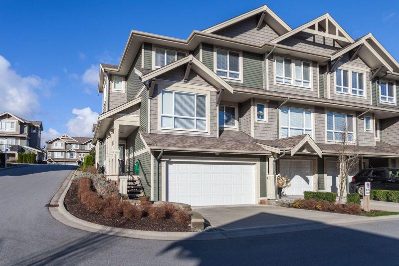 Main Photo: 44 7848 170 STREET in VANTAGE: Fleetwood Tynehead Home for sale ()  : MLS®# R2124050