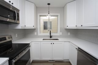 Photo 1: 11142 132 Street in Edmonton: Zone 07 House Half Duplex for sale : MLS®# E4235150
