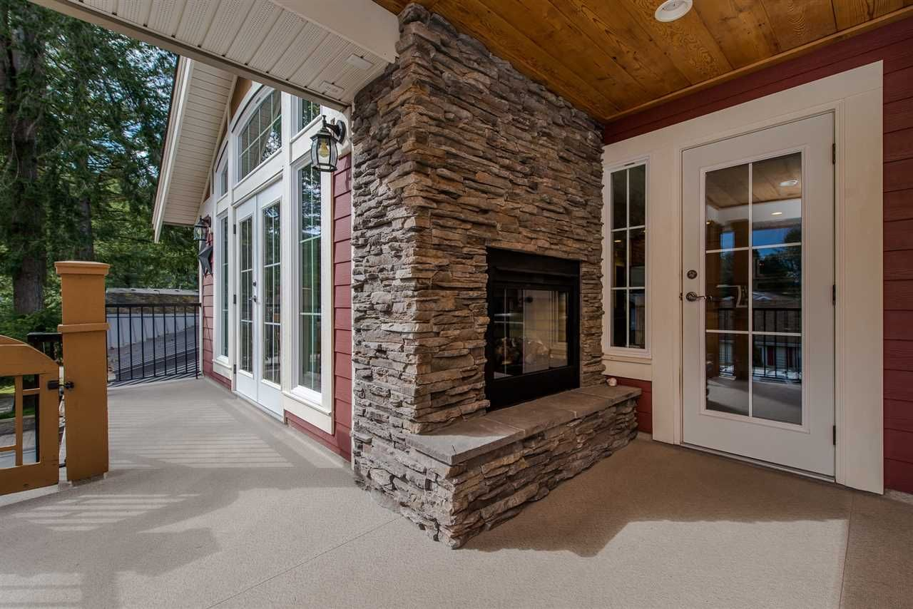 "Photo 19: Photos: 416 MAPLE Street: Cultus Lake House for sale in ""Cultus lake Park"" : MLS®# R2493541"