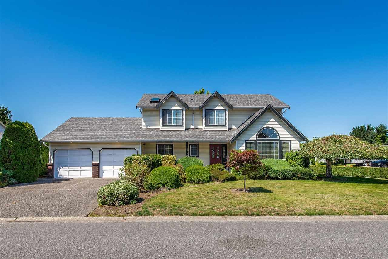 Main Photo: 6727 VANMAR Street in Sardis: Sardis East Vedder Rd House for sale : MLS®# R2390602