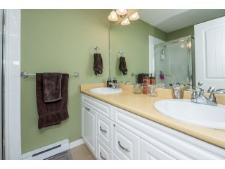"""Photo 12: 63 4401 BLAUSON Boulevard in Abbotsford: Abbotsford East Townhouse for sale in """"Sage at Auguston"""" : MLS®# R2061479"""