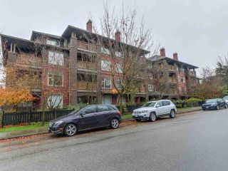 """Photo 1: 109 675 PARK Crescent in New Westminster: GlenBrooke North Condo for sale in """"THE WINCHESTER"""" : MLS®# R2224095"""