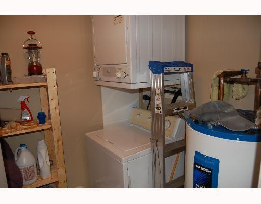 "Photo 8: Photos: 213 12464 191B Street in Pitt Meadows: Mid Meadows Condo for sale in ""LASEUR MANOR"" : MLS®# V640906"
