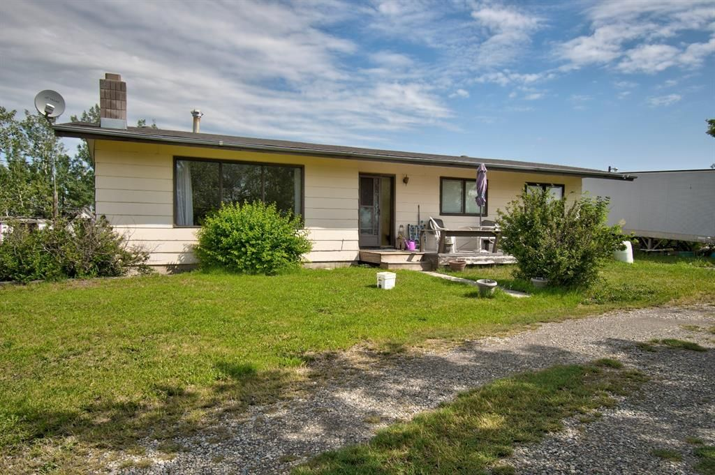 Main Photo: 270064 Township Road 234A in Rural Rocky View County: Rural Rocky View MD Detached for sale : MLS®# A1127249
