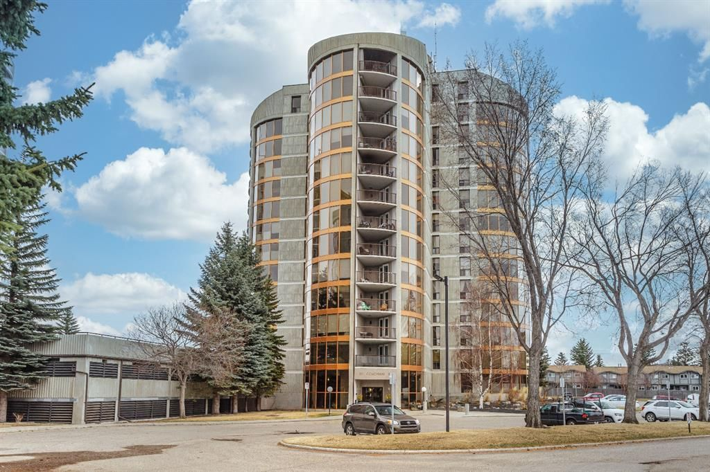 Main Photo: 2131 20 Coachway Road SW in Calgary: Coach Hill Apartment for sale : MLS®# A1090359