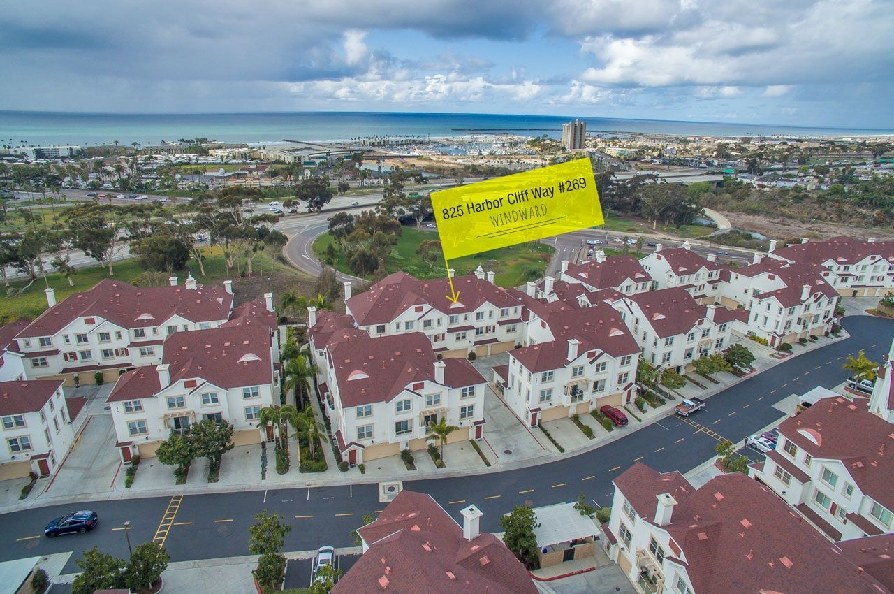 Main Photo: OCEANSIDE Townhouse for sale : 3 bedrooms : 825 Harbor Cliff Way #269