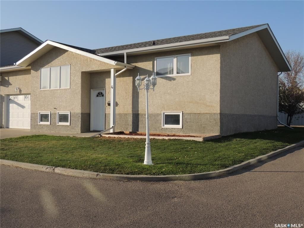 Main Photo: 4 491 Bannatyne Avenue in Estevan: Scotsburn Residential for sale : MLS®# SK826456