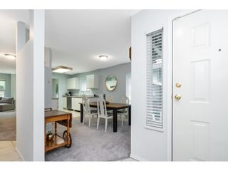 """Photo 4: 88 36060 OLD YALE Road in Abbotsford: Abbotsford East Townhouse for sale in """"MOUNTAIN VIEW VILLAGE"""" : MLS®# R2574310"""