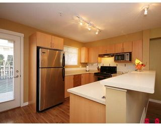 """Photo 5: 35 6651 203RD Street in Langley: Willoughby Heights Townhouse for sale in """"SUNSCAPE"""" : MLS®# F2833451"""