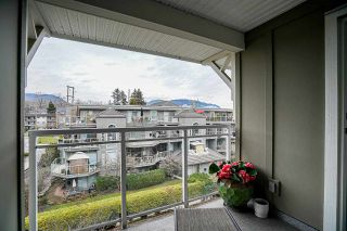 "Photo 23: PH2 2373 ATKINS Avenue in Port Coquitlam: Central Pt Coquitlam Condo for sale in ""Carmandy"" : MLS®# R2545305"