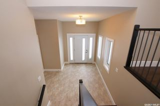 Photo 2: 825 Hamilton Drive in Swift Current: Highland Residential for sale : MLS®# SK834024