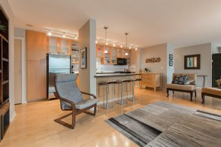 """Photo 5: 2603 969 RICHARDS Street in Vancouver: Downtown VW Condo for sale in """"Mondrian 2"""" (Vancouver West)  : MLS®# R2135133"""