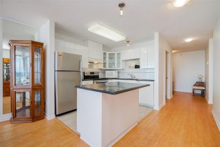 """Photo 3: 805 612 SIXTH Street in New Westminster: Uptown NW Condo for sale in """"THE WINDWARD"""" : MLS®# R2500900"""