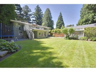 Photo 2: 760 Piedmont Dr in VICTORIA: SE Cordova Bay House for sale (Saanich East)  : MLS®# 676394