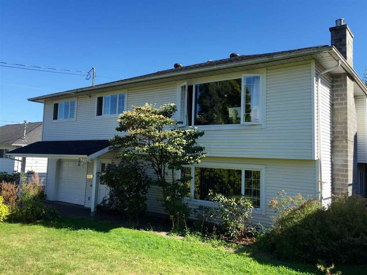 Main Photo: 17436 58A Avenue in Surrey: Cloverdale BC House for sale (Cloverdale)  : MLS®# R2097465