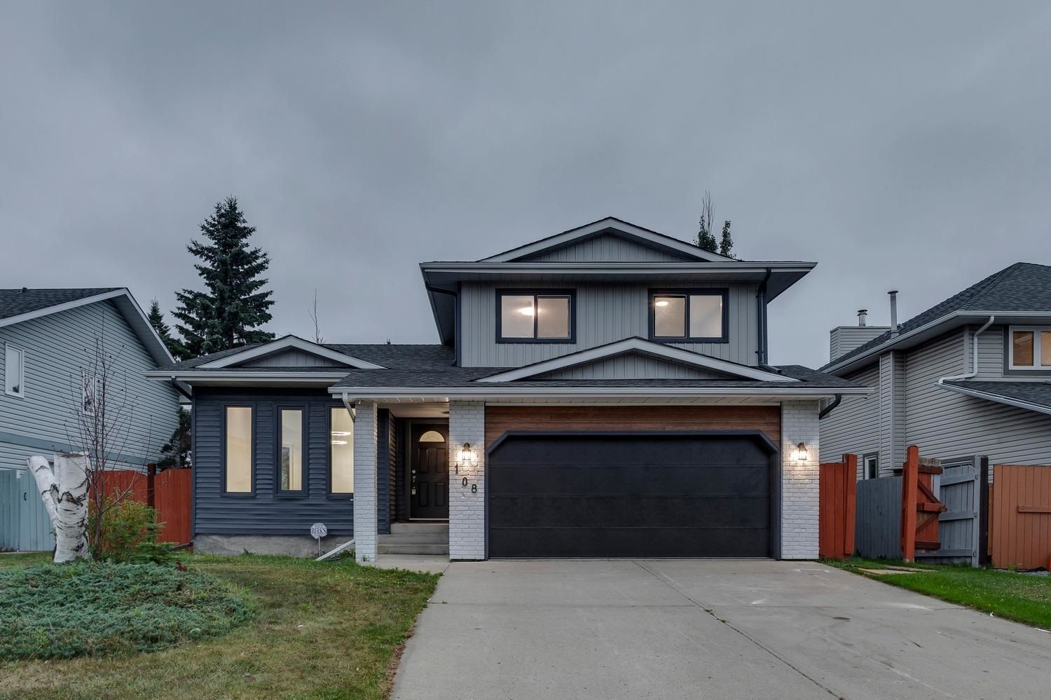 Main Photo: 108 RUNNING CREEK Road NW in Edmonton: Zone 16 House for sale : MLS®# E4255461