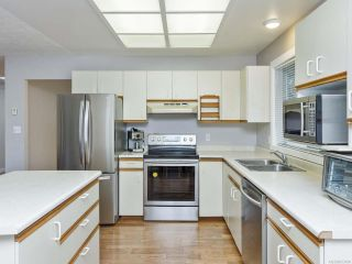 Photo 5: 5837 Brigantine Dr in NANAIMO: Na North Nanaimo House for sale (Nanaimo)  : MLS®# 833190