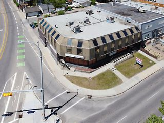 Photo 3: 701 14 Street NW in Calgary: Hillhurst Mixed Use for sale : MLS®# A1128858