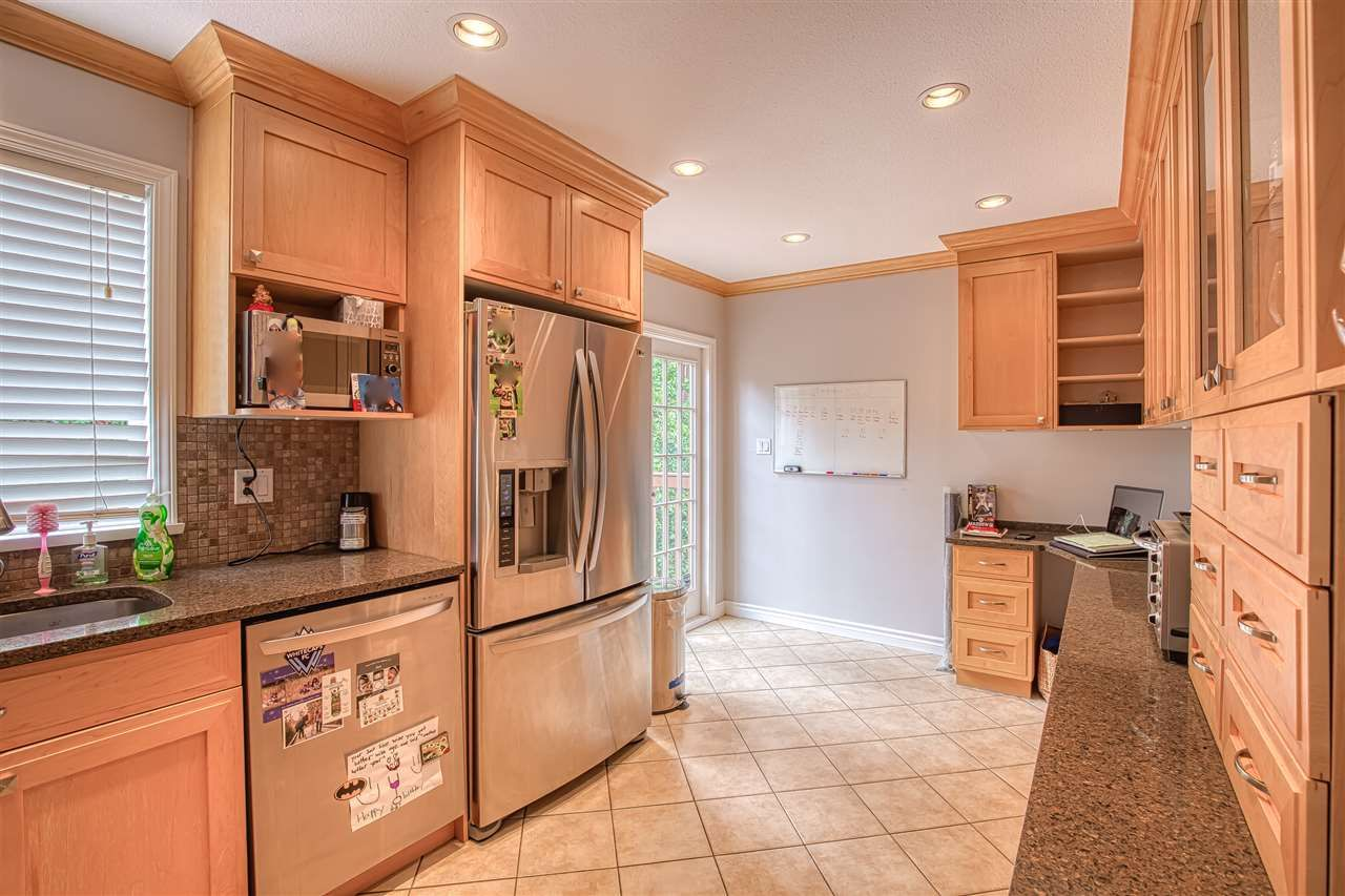 """Photo 8: Photos: 8137 WILTSHIRE BOULEVARD Boulevard in Delta: Nordel House for sale in """"Canterbury Heights"""" (N. Delta)  : MLS®# R2474823"""