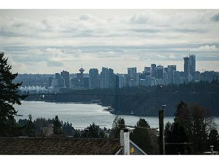 Photo 1: 1901 QUEENS AV in West Vancouver: Queens House for sale : MLS®# V1106681
