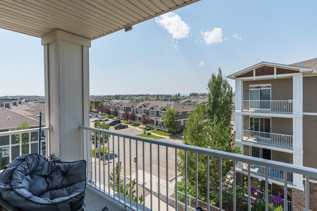 Main Photo: 401 304 Cranberry Park SE in Calgary: Cranston Apartment for sale : MLS®# A1132586