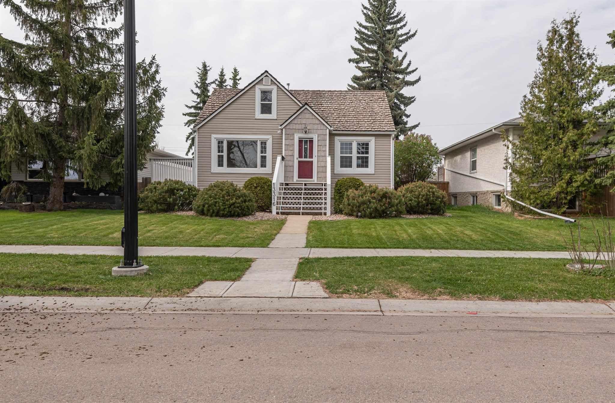 Main Photo: 13316 110A Avenue in Edmonton: Zone 07 House for sale : MLS®# E4245302
