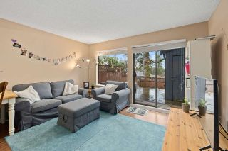 """Photo 5: 915 BRITTON Drive in Port Moody: North Shore Pt Moody Townhouse for sale in """"WOODSIDE VILLAGE"""" : MLS®# R2554809"""