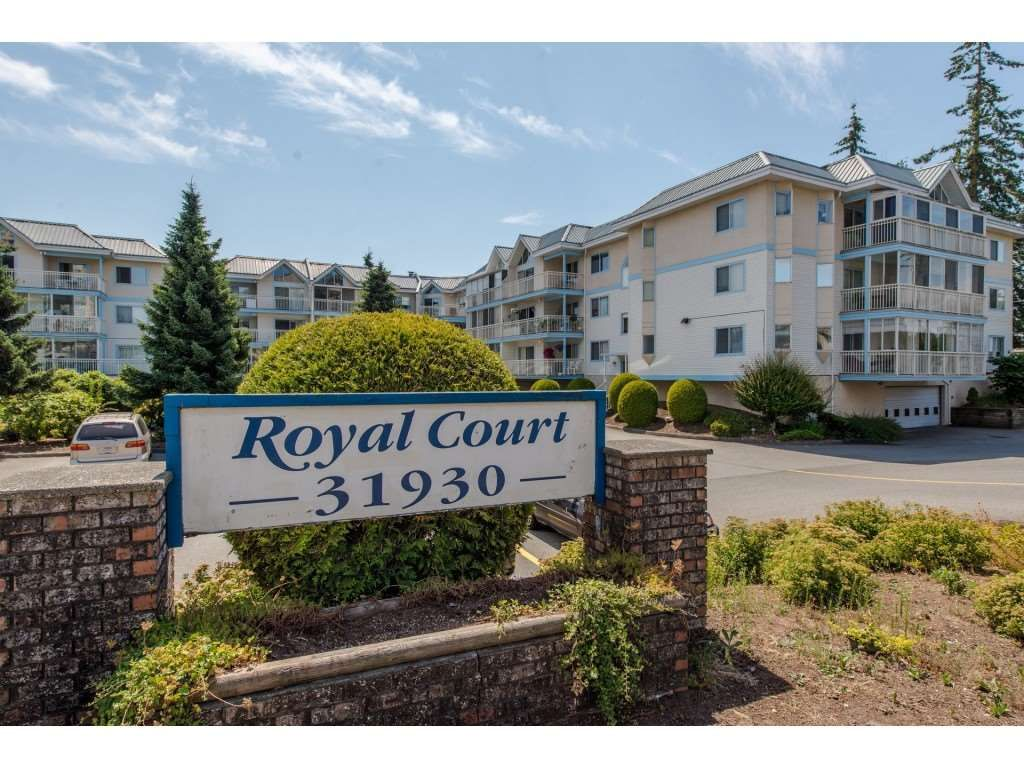 "Main Photo: 206 31930 OLD YALE Road in Abbotsford: Abbotsford West Condo for sale in ""ROYAL COURT"" : MLS®# R2381649"